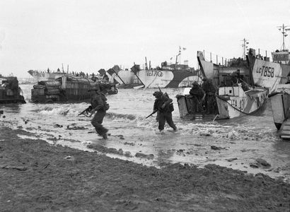 D day British Forces during the Invasion of Normandy 6 June 1944 B5246