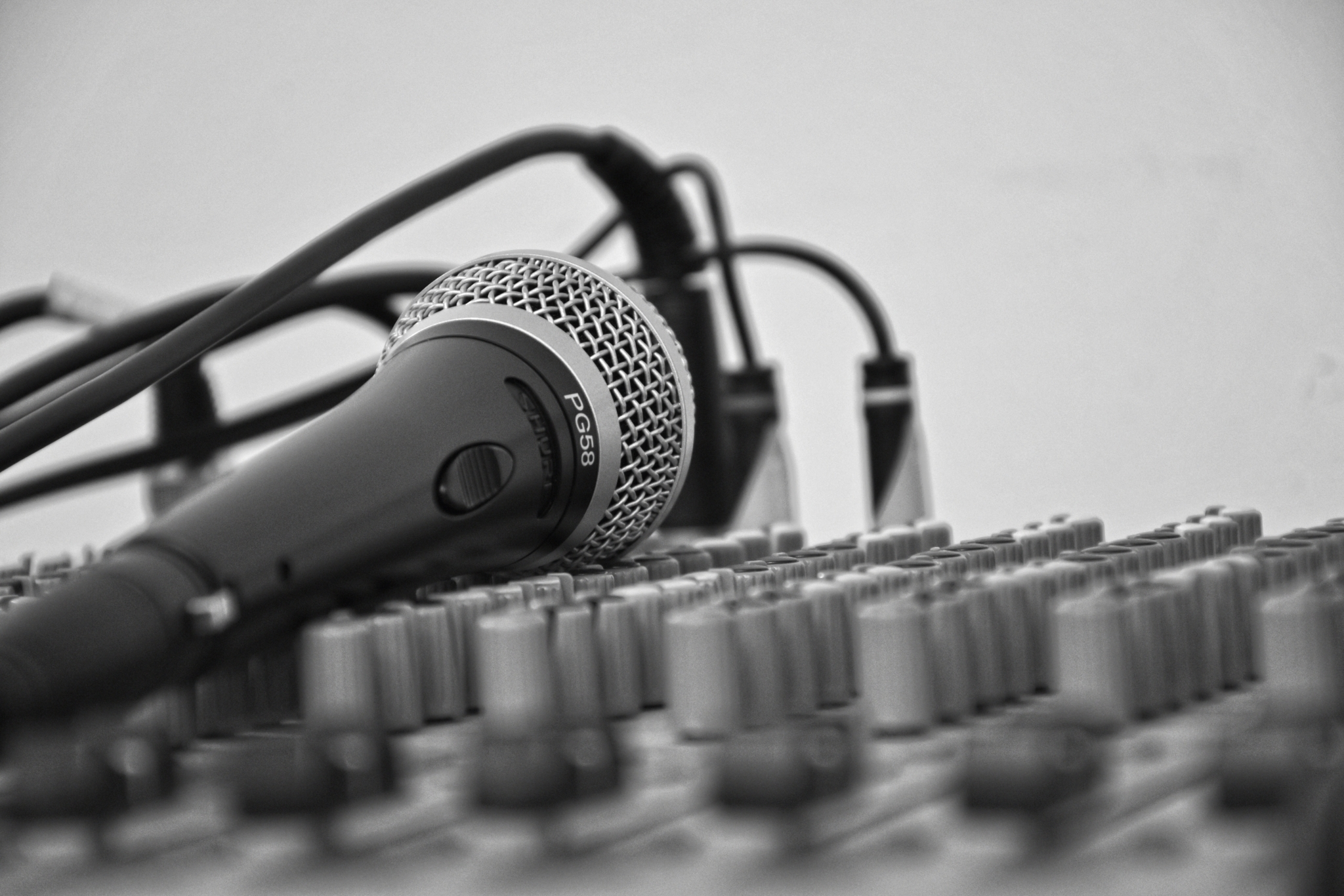 Mic and other music tech