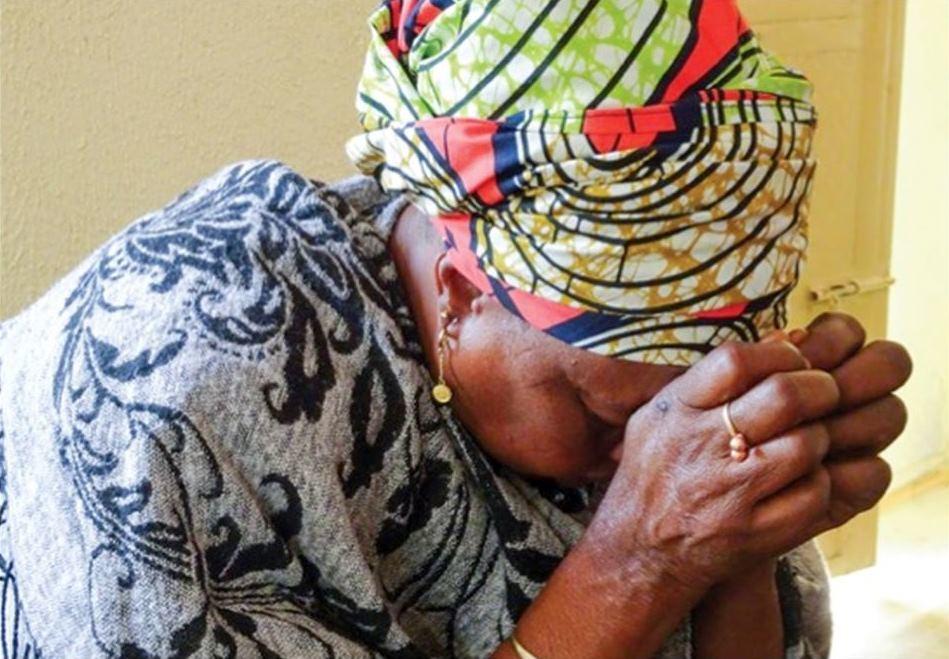 Ri Nigerian Lady Praying