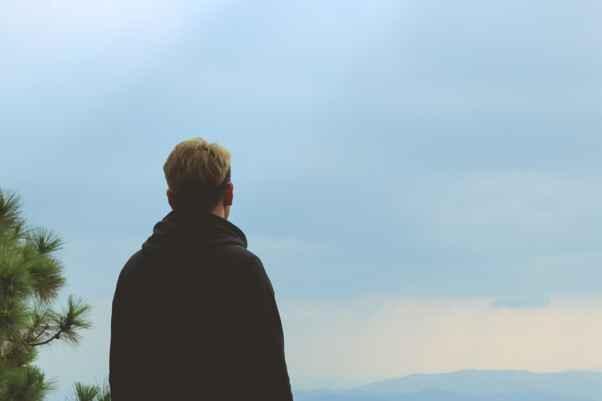 Alone-back-view-clouds-865349