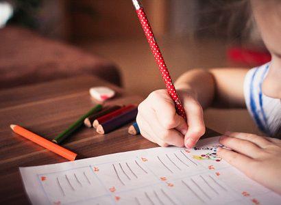 Blur Child Classroom 256468